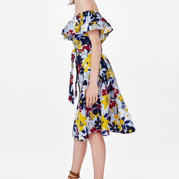 ad70e598537f Zara flower print off shoulder dress